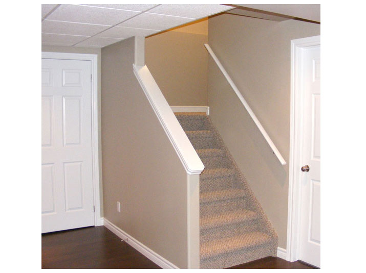 Open concept basement staircase