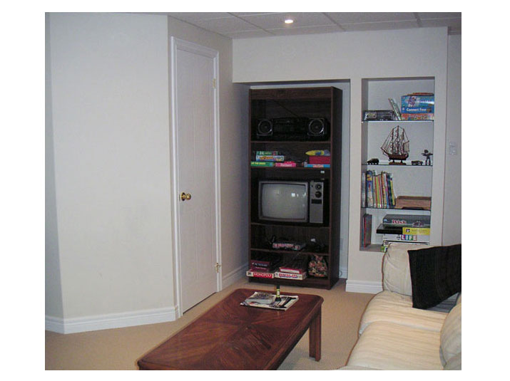 Entertainment wall unit in family room