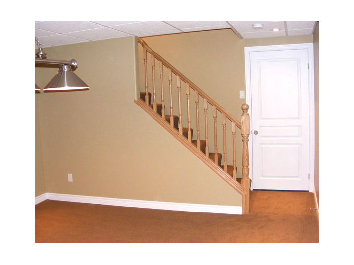 Oak railing & spindles for basement stairs