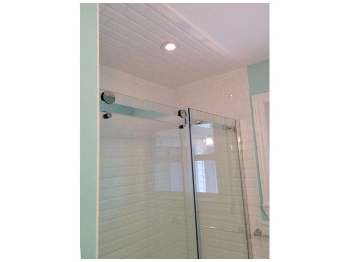 Tiled shower with tiled walls