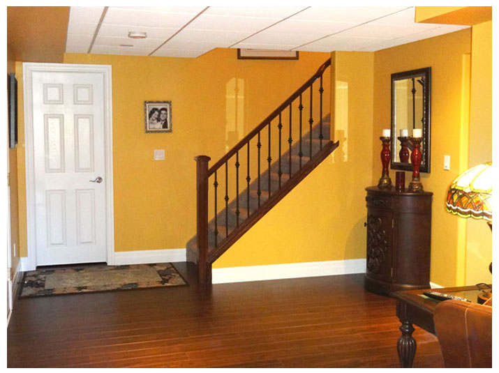 Home staircase railing design