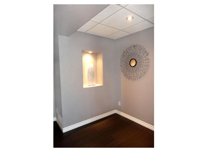 Rectangular wall niche