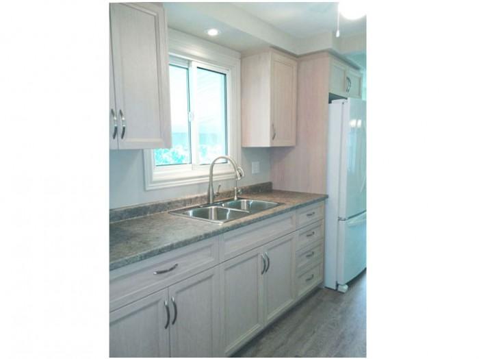 Oak kitchen units