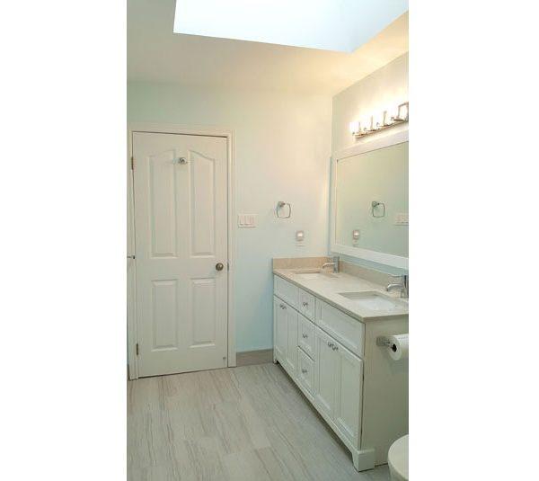 Double sink vanity with quartz countertop