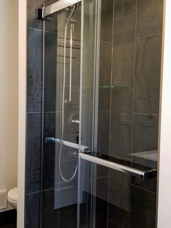 Alcove shower