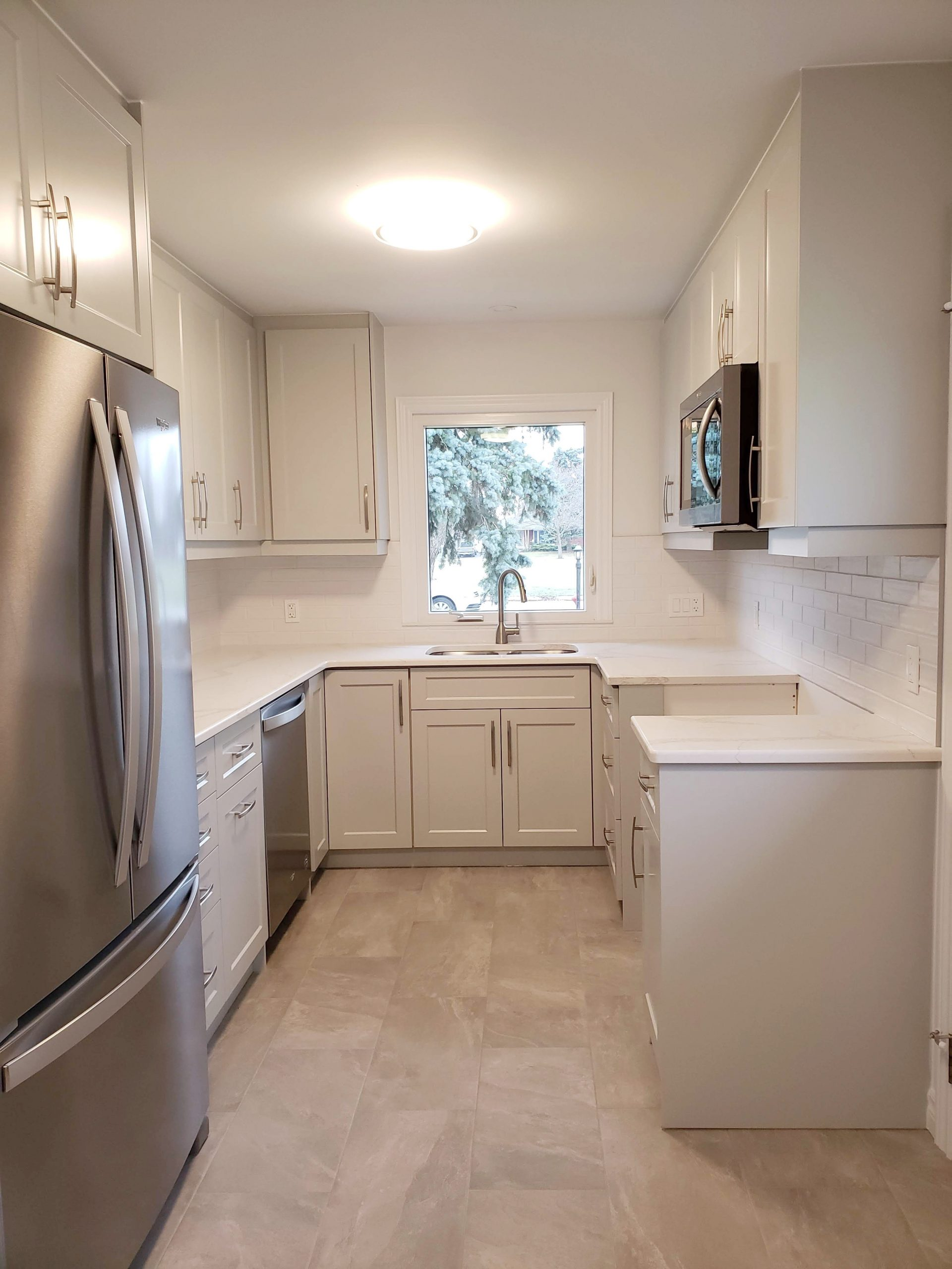 U-Shaped white kitchen
